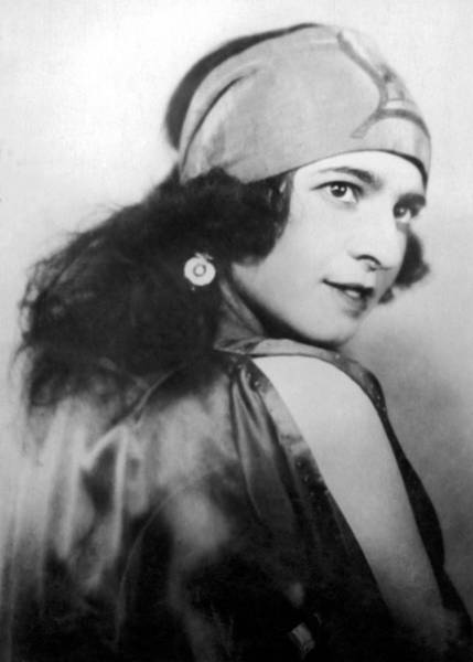 1924 Photograph - Portrait Of Marie Bekefi by Underwood Archives