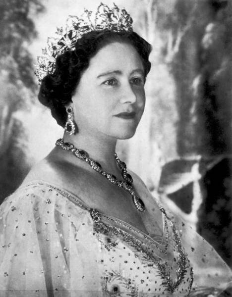 Queens Birthday Photograph - Portrait Of The Queen Mother by Underwood Archives