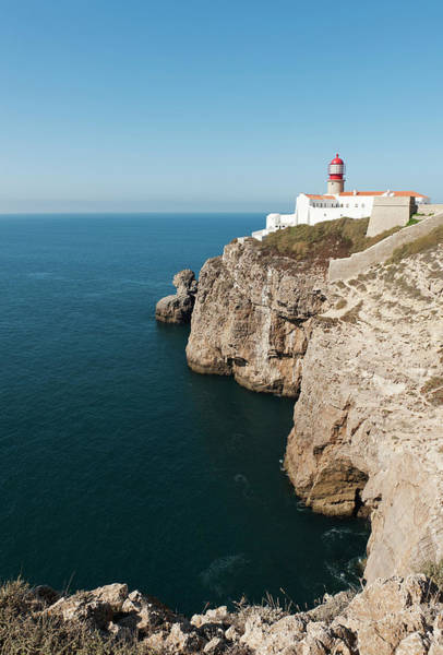 Sagre Wall Art - Photograph - Portugal, Algarve, Sagres, Lighthouse by Westend61