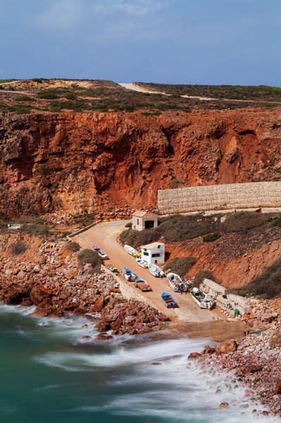 Sagre Wall Art - Photograph - Portugal, View Of Beach by Westend61