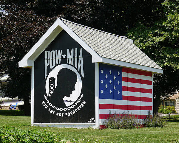 Photograph - Pow - Mia You Are Not Forgotten by Richard Reeve