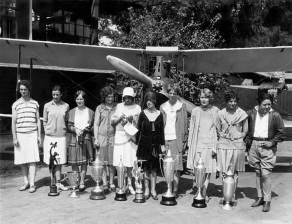 Elder Photograph - Powderpuff Derby Aviatrix by Underwood Archives