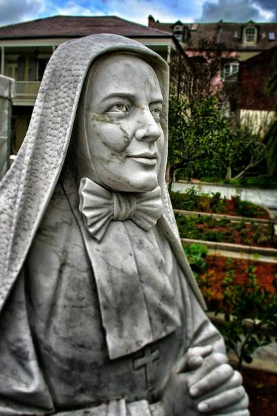 Photograph - Praying Nun Statue 2 by Jim Albritton
