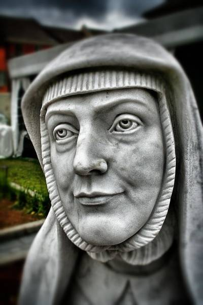 Photograph - Praying Nun Statue 3 by Jim Albritton