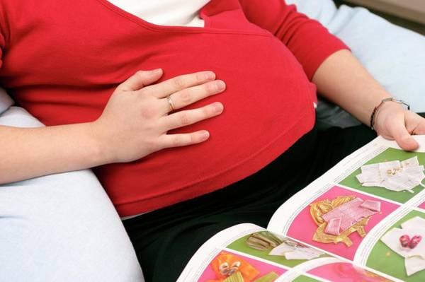 Pregnant Woman Reading Art Print