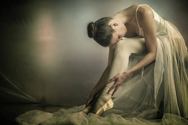 Preparation To Dance Art Print