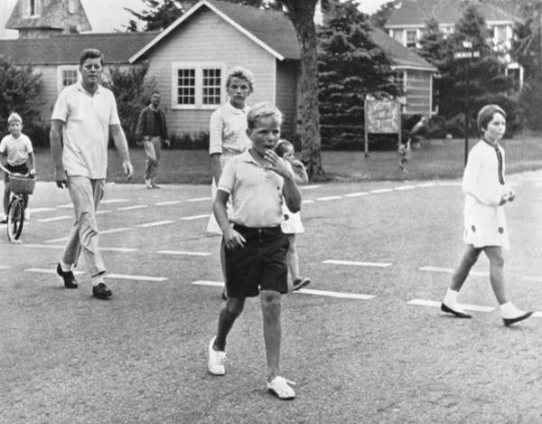 Hyannis Photograph - President Kennedy And Children by Underwood Archives