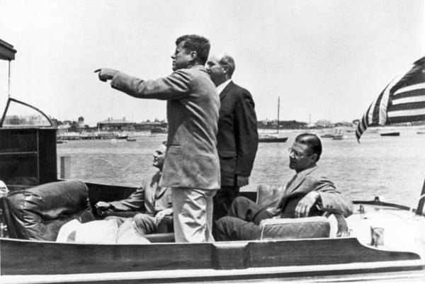 Hyannis Photograph - President Kennedy Tour Guide by Underwood Archives