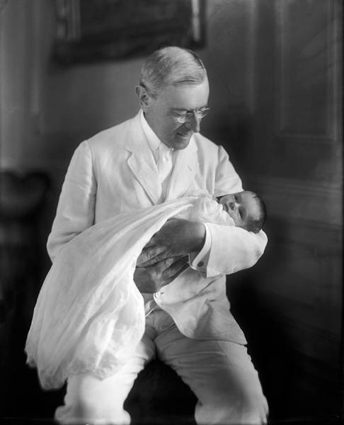 1915 Photograph - President Wilson Holding Baby by Underwood Archives