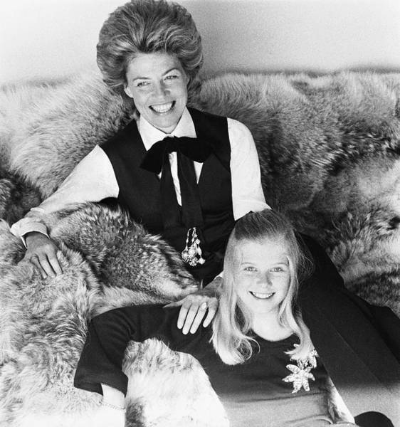 Central Europe Photograph - Princess Teresa Zu Furstenberg With Her Daughter by Henry Clarke