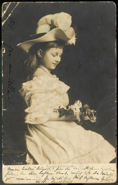 Wall Art - Photograph - Princess Viktoria Luise  Daughter by Mary Evans Picture Library