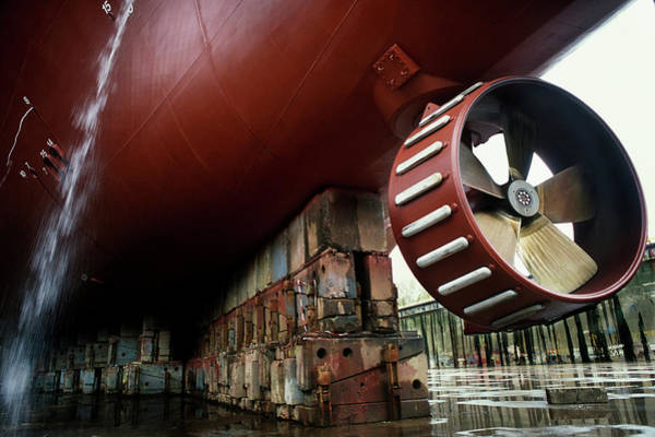 Dry Dock Photograph - Propeller Of A Ship In A Dry Dock by Arno Massee/science Photo Library