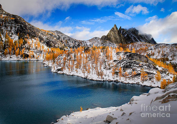 Alpine Photograph - Prussik Peak And Inspiration Lake by Inge Johnsson