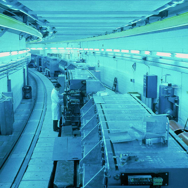 Proton Photograph - Ps Particle Accelerator At Cern by Cern/science Photo Library