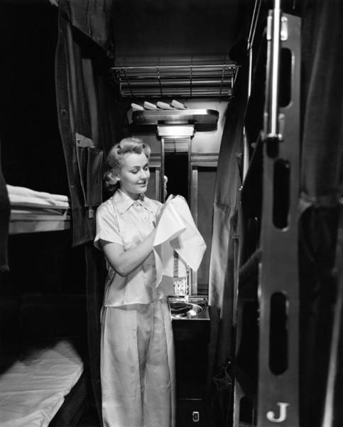 Car Wash Photograph - Pullman Coach Sleeper Car by Underwood Archives