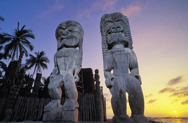 Wall Art - Photograph - Puuhonua O Honaunau by Greg Vaughn - Printscapes