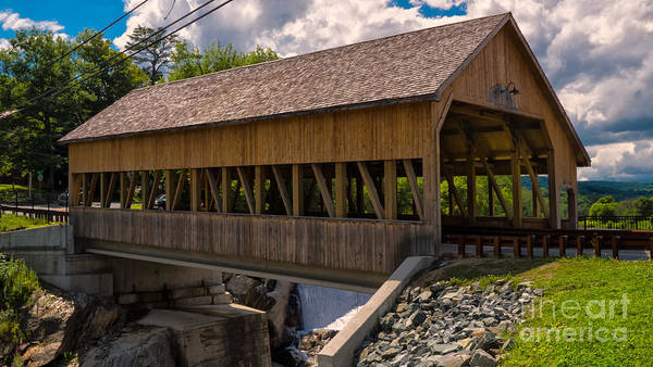 Photograph - Quechee Covered Bridge. by New England Photography