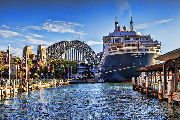 Wall Art - Photograph - Queen Mary 2 Sydney by Colin and Linda McKie