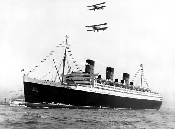 Sea Plane Photograph - Queen Mary Maiden Voyage by Underwood Archives