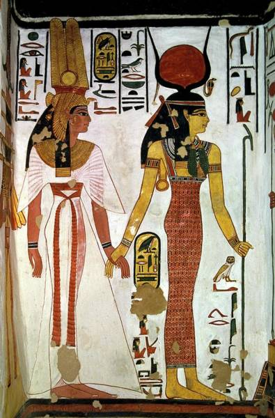 Wall Art - Photograph - Queen Nefertari And Isis by Patrick Landmann/science Photo Library