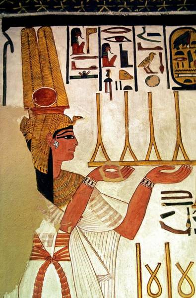 Hieroglyph Photograph - Queen Nefertari Offering Fabric by Patrick Landmann/science Photo Library