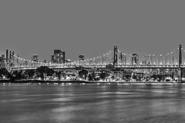 Roosevelt Island Wall Art - Photograph - Queensboro Bridge 59th Street Nyc Bw by Susan Candelario