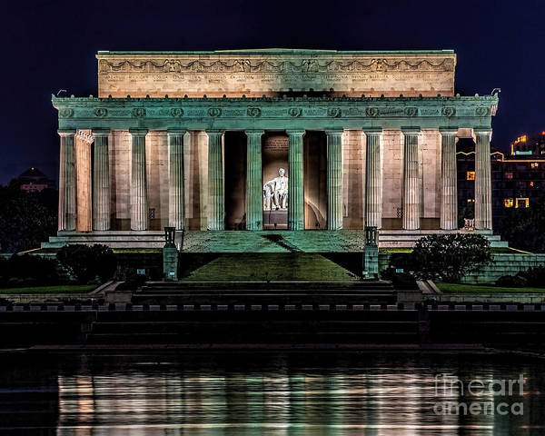 Photograph - Quiet Night At The Lincoln Memorial by Nick Zelinsky
