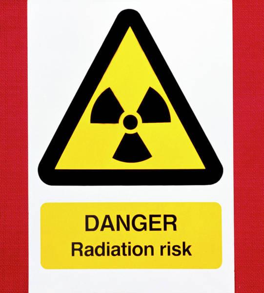 Radiation Wall Art - Photograph - Radiation Hazard Sign. by Garry Watson/science Photo Library