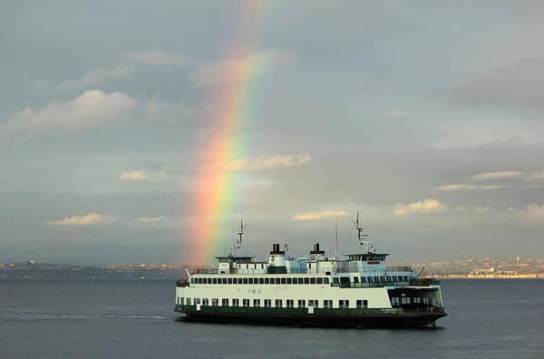 Photograph - Rainbow At The Stern by E Faithe Lester