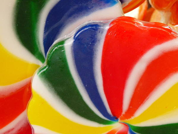 Photograph - Rainbow Lollipop Close by Jeff Lowe