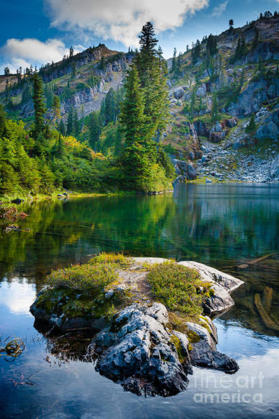 Alpine Lakes Wilderness Photograph - Ramparts Lake by Inge Johnsson