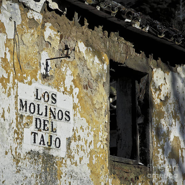 Crumble Photograph - Ramshackled Los Molinos by Heiko Koehrer-Wagner