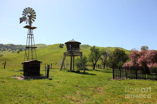 Photograph - Ranch Along The Rolling Hills Landscape Of The Black Diamond Mines In Antioch California 5d22337 by Wingsdomain Art and Photography