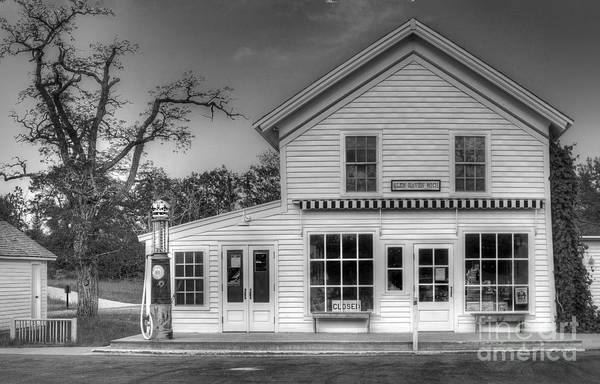 Sleeping Bear Dunes Wall Art - Photograph - Ranger Station In Glen Haven by Twenty Two North Photography