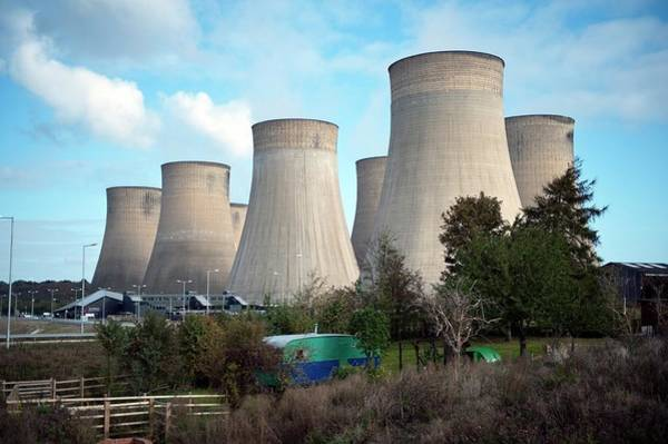 Nottingham Photograph - Ratcliffe Power Station by Matthew Oldfield/science Photo Library