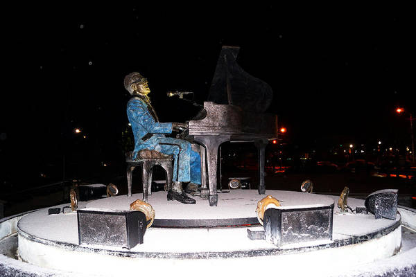Photograph - Ray Charles Statue In Odd Weather South Georgia by Kim Pate