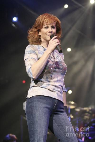 Country Music Photograph - Reba Mcentire by Concert Photos