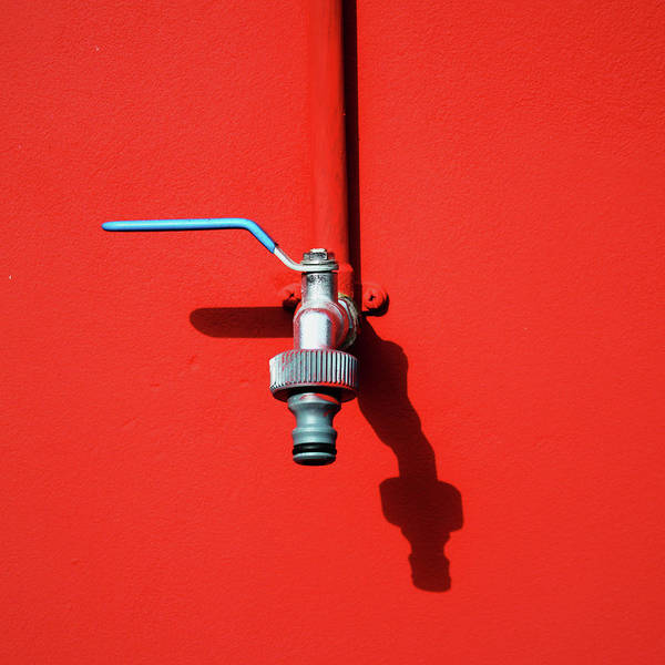 Handle Photograph - Red And Tap by Saulgranda