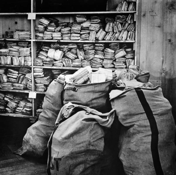 Photograph - Red Cross: Mail, 1940 by Granger