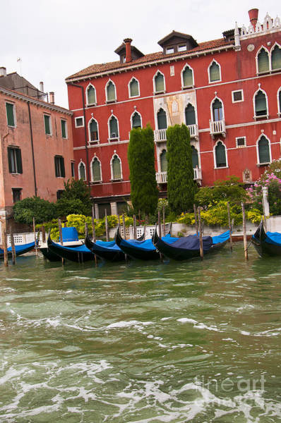 Lion Of St Mark Photograph - Red Palazzo With Gondolas by Brenda Kean