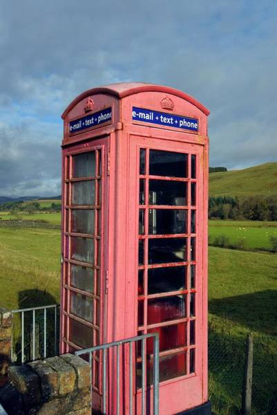 Galloway Wall Art - Photograph - Red Telephone Box by Simon Fraser/science Photo Library