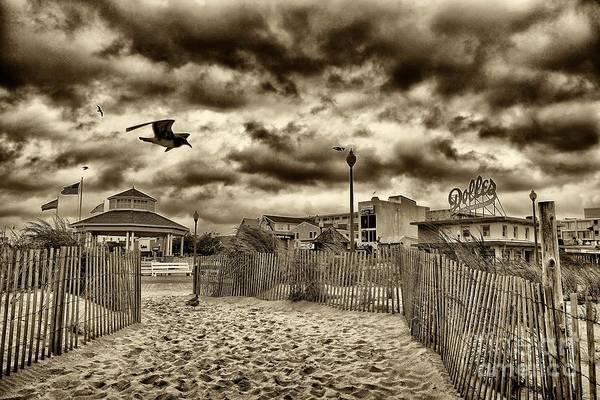 Rehoboth Beach Photograph - Rehoboth Beach De 19 by Jack Paolini