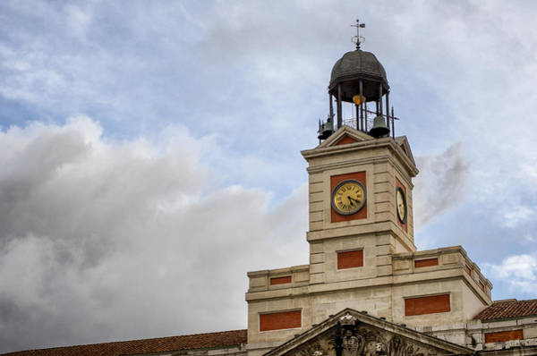 Wall Art - Photograph - Reloj De Gobernacion 1 by Pablo Lopez