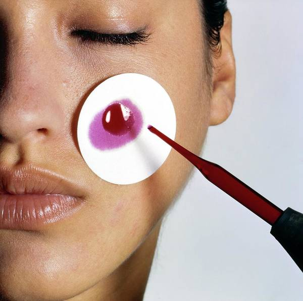 Apply Photograph - Revlon Moisturizer Skin Adherence Test by Arthur Elgort