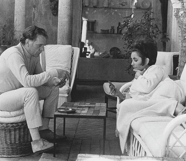 Lying Down Photograph - Richard Burton And Elizabeth Taylor Playing Gin by Henry Clarke