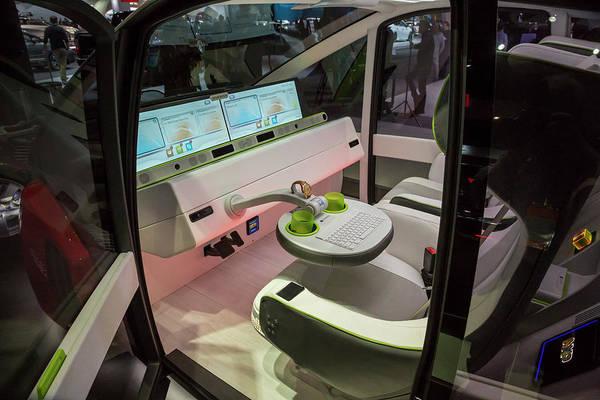 Detroit Auto Show Photograph - Rinspeed Oasis Autonomous Vehicle by Jim West/science Photo Library
