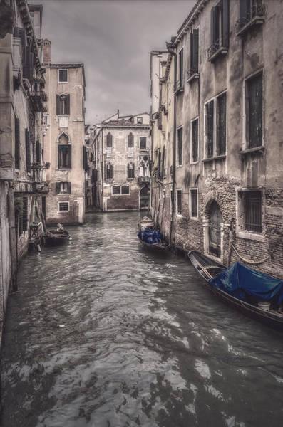 Photograph - Rio And Gondolas by Roberto Pagani