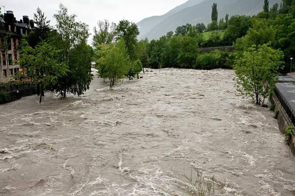 Pyrenees Photograph - Rio Ara Flooding by Bob Gibbons