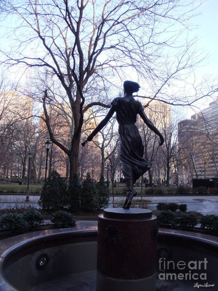 Rittenhouse Square Wall Art - Photograph - Rittenhouse Square At Dusk by Lyric Lucas