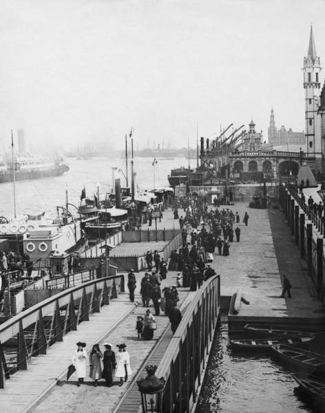 Antwerp Photograph - River Scheldt In Antwerp by Underwood Archives
